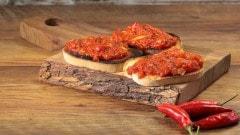 Crostini rossi piccanti