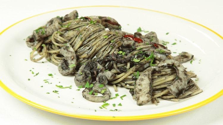 Spaghetti 'ccu niuru ri sicci'