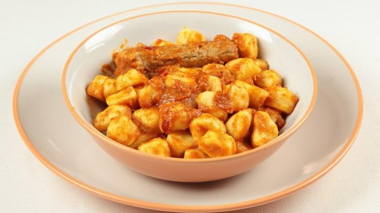 Gnocchi di patate con punte di maiale