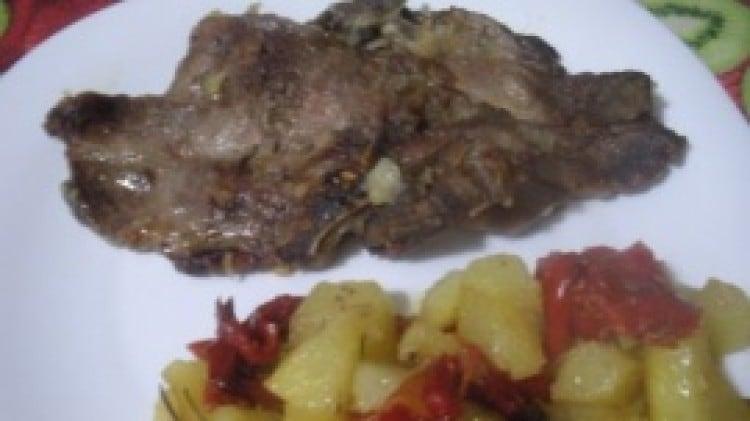 Bistecchine al forno con patate