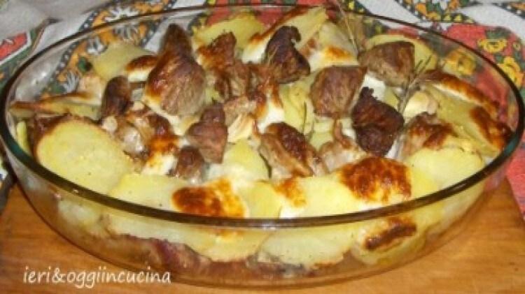 Agnello con pecorino e patate
