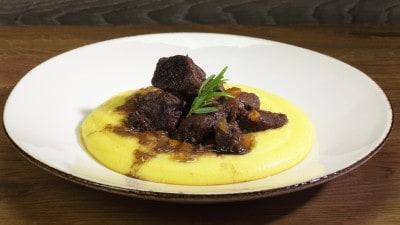 Stufato d'asino con polenta