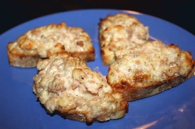 Crostone salsiccia e stracchino