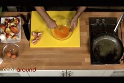 Omelette con i funghi ovuli