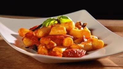Gnocchi di patate con pomodorini e zenzero
