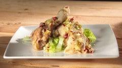 Pollo con salsa thailandese