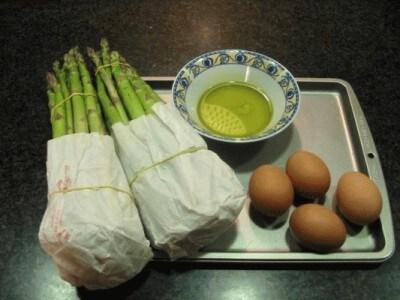 Antipasto di asparagi e uova sode