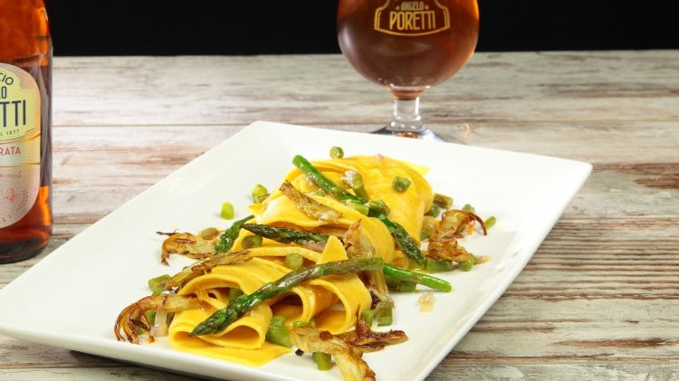 Pappardelle con asparagi e carciofi fritti