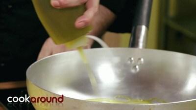 Spigolette con vino bianco e olive