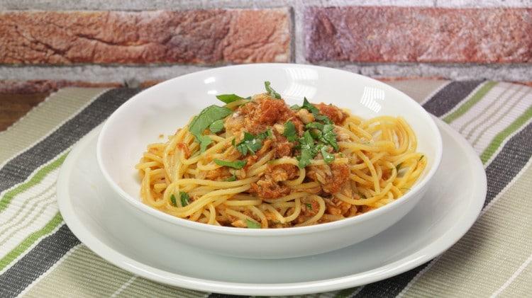 Spaghetti allo sgombro cookaround for Cucinare friggitelli