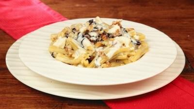 Casarecce con gorgonzola, radicchio e noci