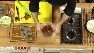 Spiedini di gamberi con salsa tailandese