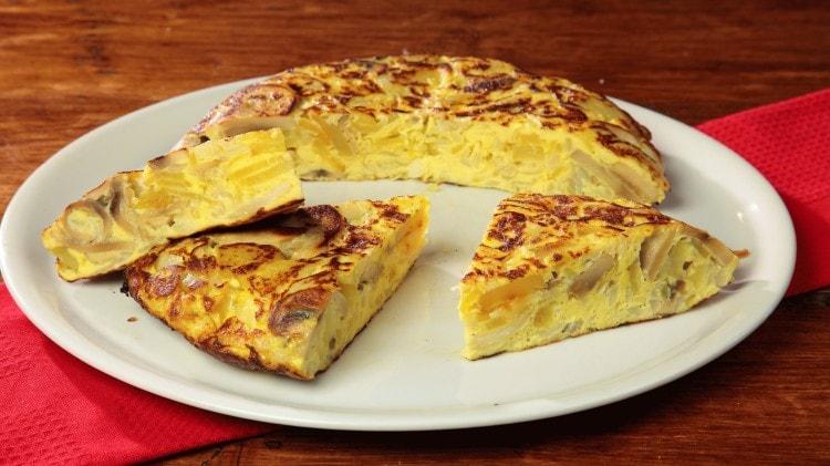 Tortillas di patate funghi e cipolle