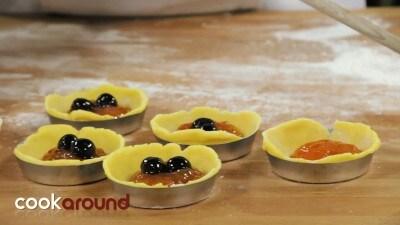 Pasticcini con marmellata e amarena