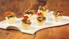 Cestini con funghi porcini e pancetta croccante