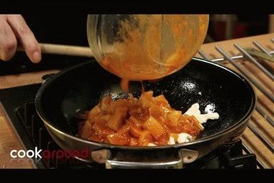 Pollo al curry rosso con patate