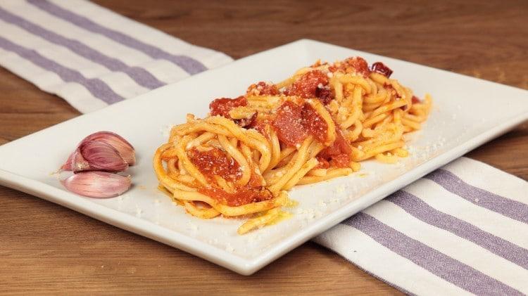 Pici all'aglione tradizionale toscana
