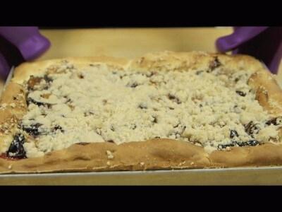 Pizza dolce alle prugne | Zwetschgenkuchen