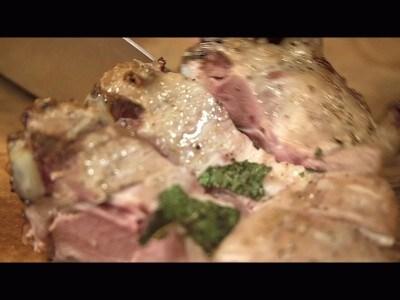 Carrè d'agnello con carciofi alla menta
