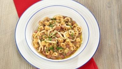 Pasta e fagioli con calamari