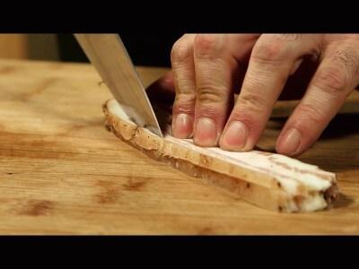 Ravioli ricotta e carciofi con ragù d'agnello