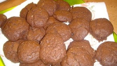 Amaretti di noci e cioccolato