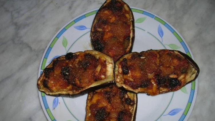 Barchette di melanzane con pomodoro e fontina