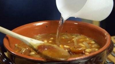 Polenta con umido di cotenne e fagioli