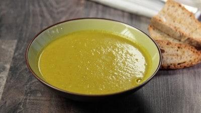 Zuppa speziata coi cavoletti di bruxelles