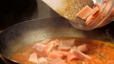Sedani con sugo di trota salmonata