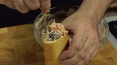 Baguette ripiena con crema al tonno e verdure