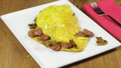Omelette funghi e salsiccia