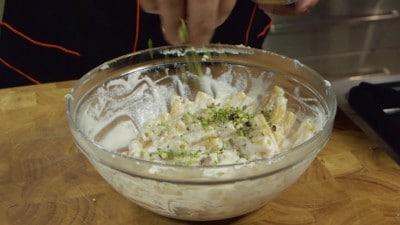 Pasta con ricotta e pistacchi