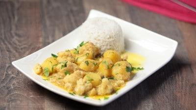 Curry di patate e cavolfiore al cocco