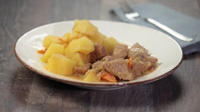 Stufato di manzo con patate e limone