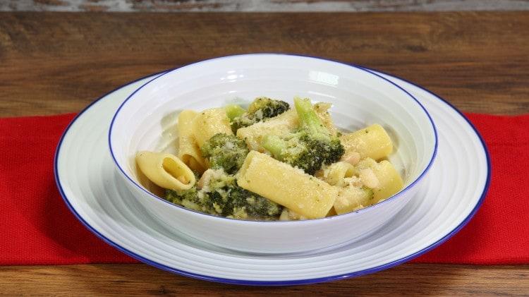 Zitoni con broccoli e fagioli
