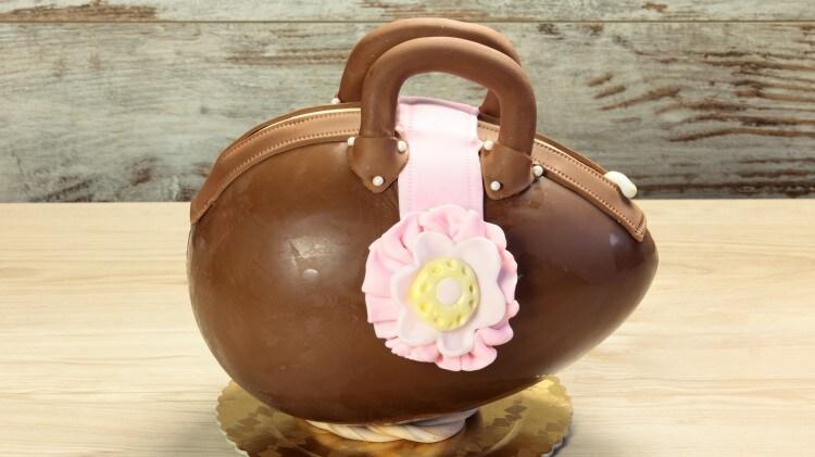 Uovo di Pasqua a borsetta