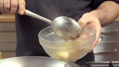 Noodles saltati di Shangai con spinaci e maiale
