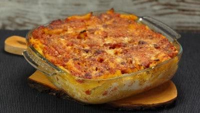 Penne pomodoro e mozzarella al forno