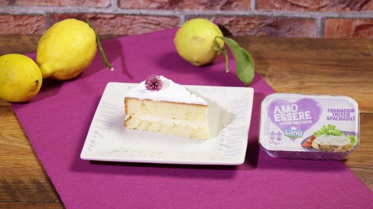 Torta margherita farcita con crema al formaggio