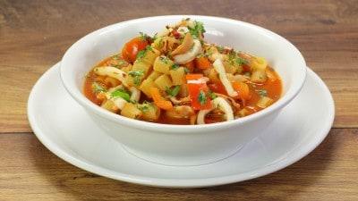 Zuppetta di peperoni e calamari