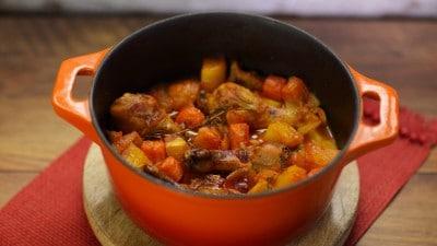 Cosce di pollo con carote e patate