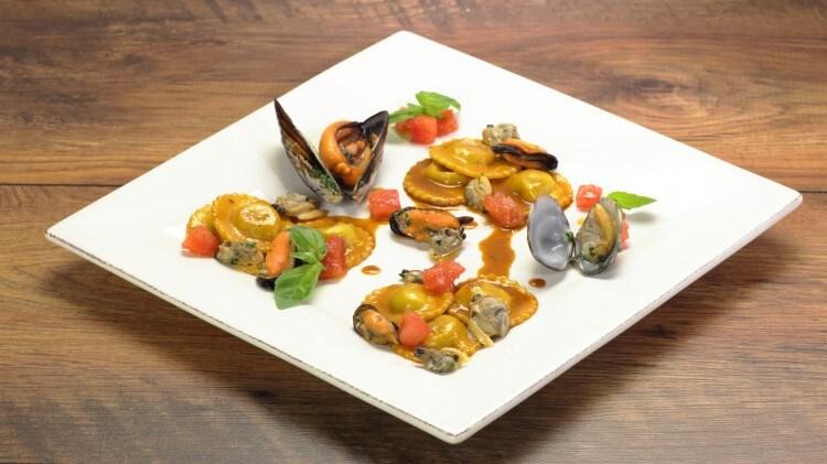 Ravioli Ripieni Di Pesce Primo Piatto Raffinato Cookaround