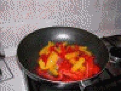 Tonno con peperoni fritti