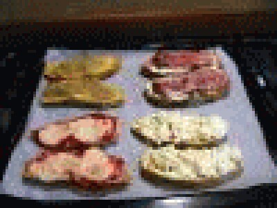 Crostone piccante tiepido al salame