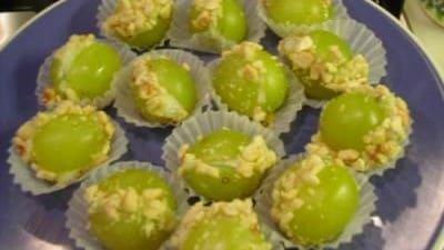Uva ripiena al formaggio