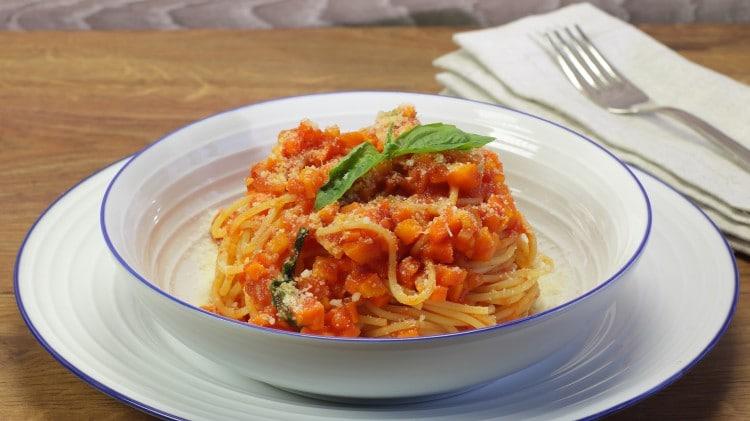 Spaghetti con sugo alle carote