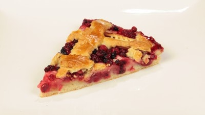 Crostata di mele e mirtilli
