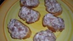 Bruschetta salsiccia e philadelphia