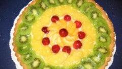 Crostata con crema alla ricotta e frutta